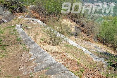 Scorcio della mulattiera della linea Cadorna di Ornavasso.