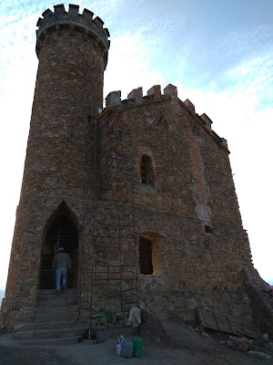 zamek ksiecia henryka