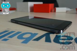 OnePlus X - Sisi kiri terdapat tombol geser untuk notifikasi