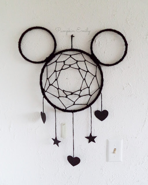 DIY Mickey Mouse Dreamcatcher