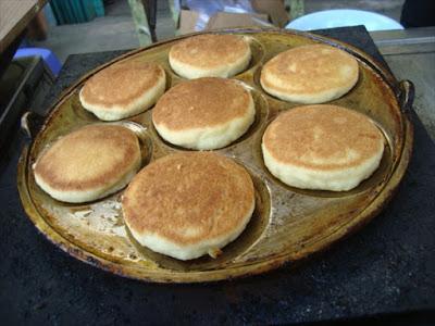 Kue Kamir yaitu salah satu Resep Kue Tradisional yang masih terlestarikan hingga kini Resep Kue Kamir Empuk Enak, Dorayaki Jawa