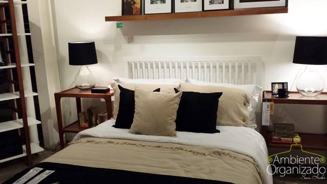 Roupa de cama branca, bege e preta