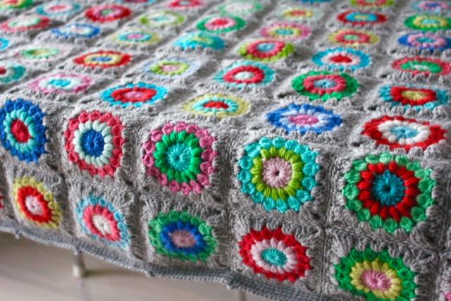 Little Woollie Grey Sunburst Granny Square Blanket Tadah