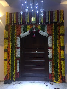 29 Front Door Flower Decoration Indian Style Picture