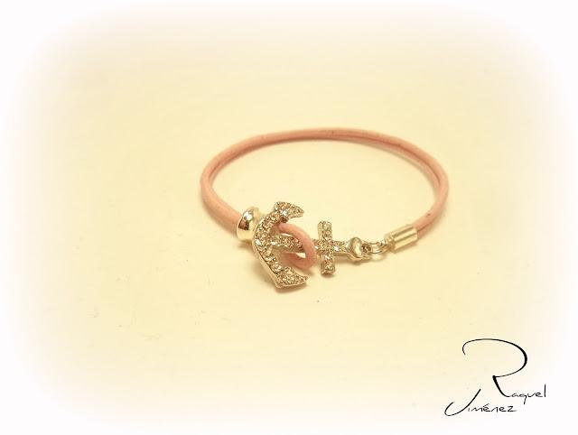 pulsera con ancla rosa