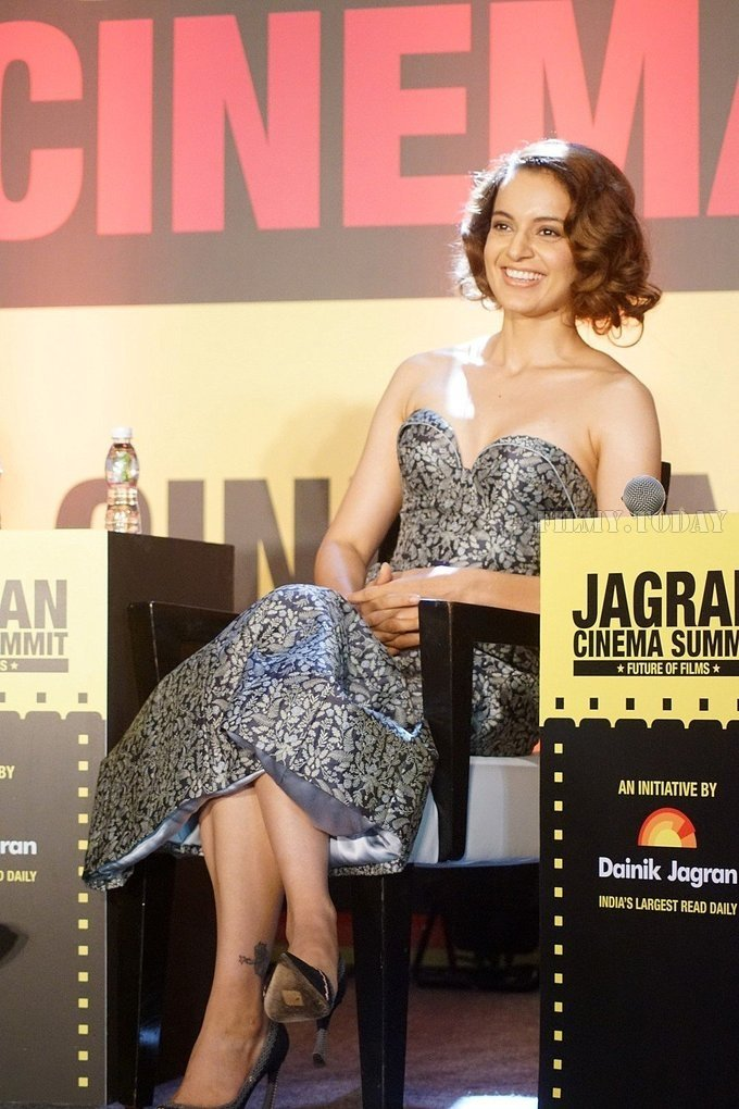 Vivek Oberoi and Kangana Ranaut at Jagran Film Festival at JW Marriott