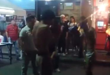 Pelea Callejera en Tailandia