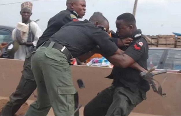 reducing corruption in the nigerian police force Corruption: nigerian police under scrutiny on august 19, 2017 4:03 am in news, special report by nwafor polycarp comments corruption in the nigerian police force, from armed officers extorting money at checkpoints to top officials embezzling public funds.