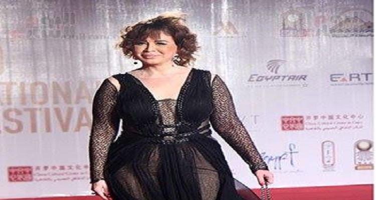 إلهام شاهين تتعرض لموقف محرج للغاية خلال مهرجان القاهرة السينمائي