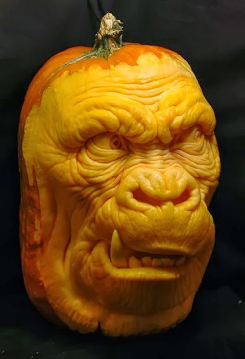 03-Halloween-The-Pumpkins-Villafane-Studios-Ray-Villafane-Sculpting-www-designstack-co