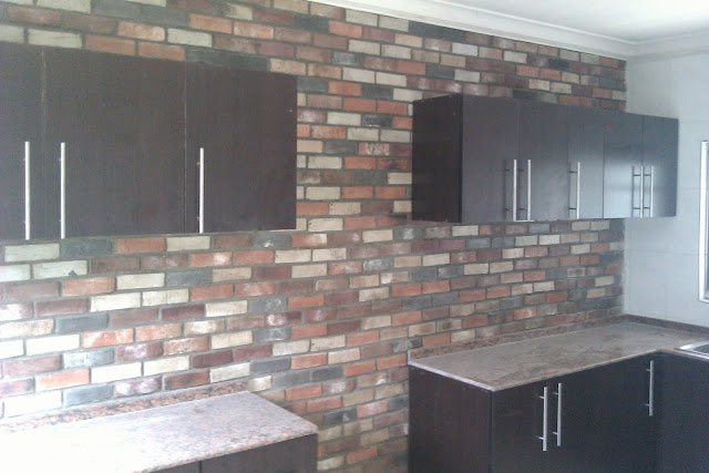 INTERIOR BRICKS CLADDING WITH ANTIQUE BRICKS