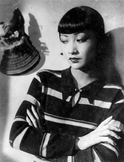 Anna May Wong looking Pensive Piccadilly 1929 movieloversreviews.filminspector.com