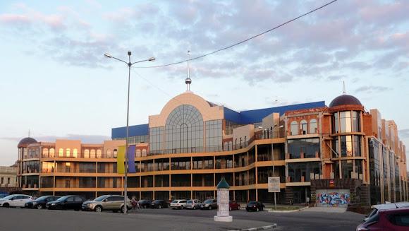 Херсон. Торговый центр «Оскар Суворовский»