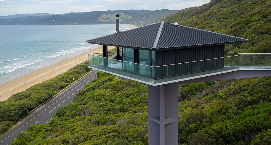 11-Aerial-Shot-F2-Architecture-Floating-Pole-House-Fairhaven-www-designstack-co