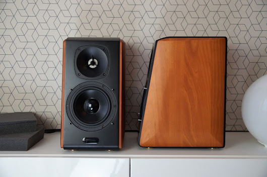 Edifier S2000 Pro active speakers review. Premium speakers by Edifier, does it make any sense?
