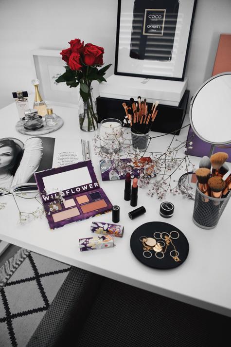 makeup desk, beauty table, beauty room