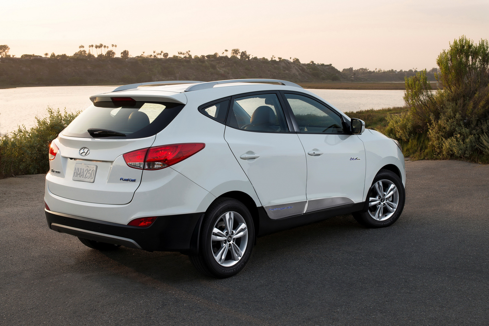 Hyundai To Debut New Fuel Cell Model At 2018 Winter Olympics Carscoops