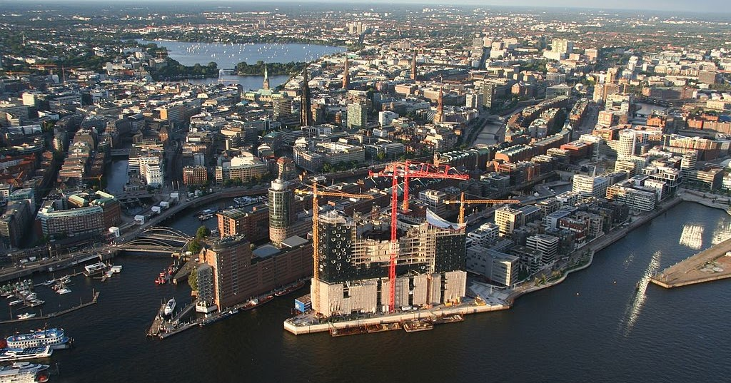 my architectural moleskine hafencity the large urban project in hamburg germany. Black Bedroom Furniture Sets. Home Design Ideas