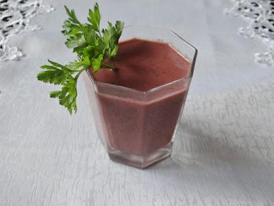 Koktajl owocowo-pietruszkowy