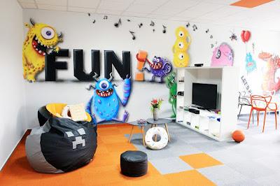 Chillout room, mural 3D, malowanie ścian w sali wypoczynkowej, aranżacja firmowej sali do relaksu chillout room, artystyczne malowanie ścian