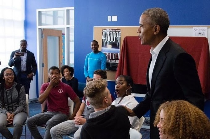 Obama crashes school lesson, leaving high-school students absolutely speechless