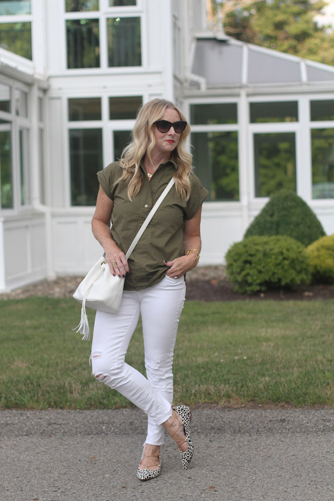 jcrew top, jbrand jeans, halogen lace up flats, bucket bag