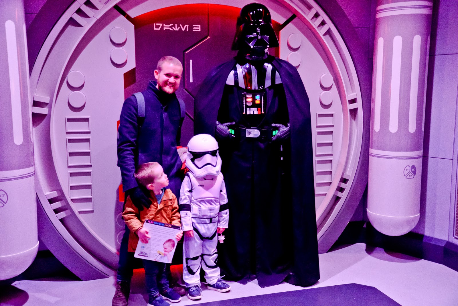 meeting darth vader, first time at disneyland paris, disneyland paris travel blog, disneyland, disneyland paris highlights, disneyland paris must do, vegetarians at disneyland paris,