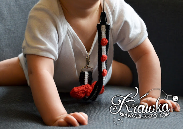 Krawka: Crochet soother holder made from key leash - Free pattern by Krawka