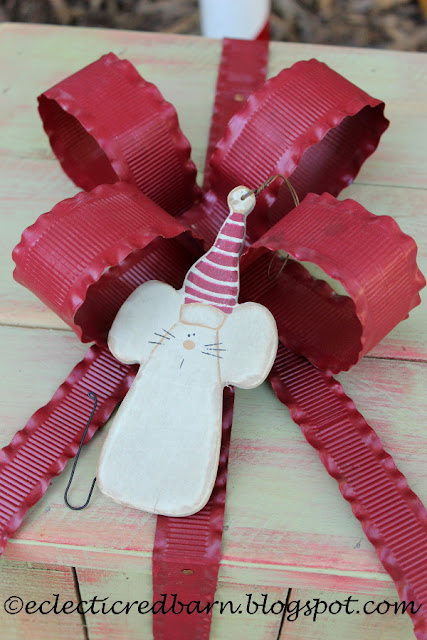 Eclectic Red Barn: Metal ribbon added to top and sides of box with wooden mouse