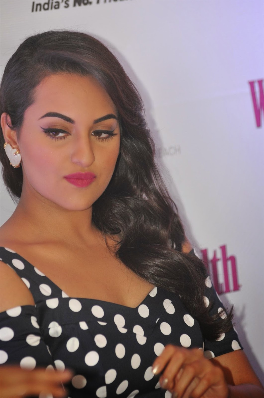 Sonakshi Sinha Sad Looking Photos In Black Dress