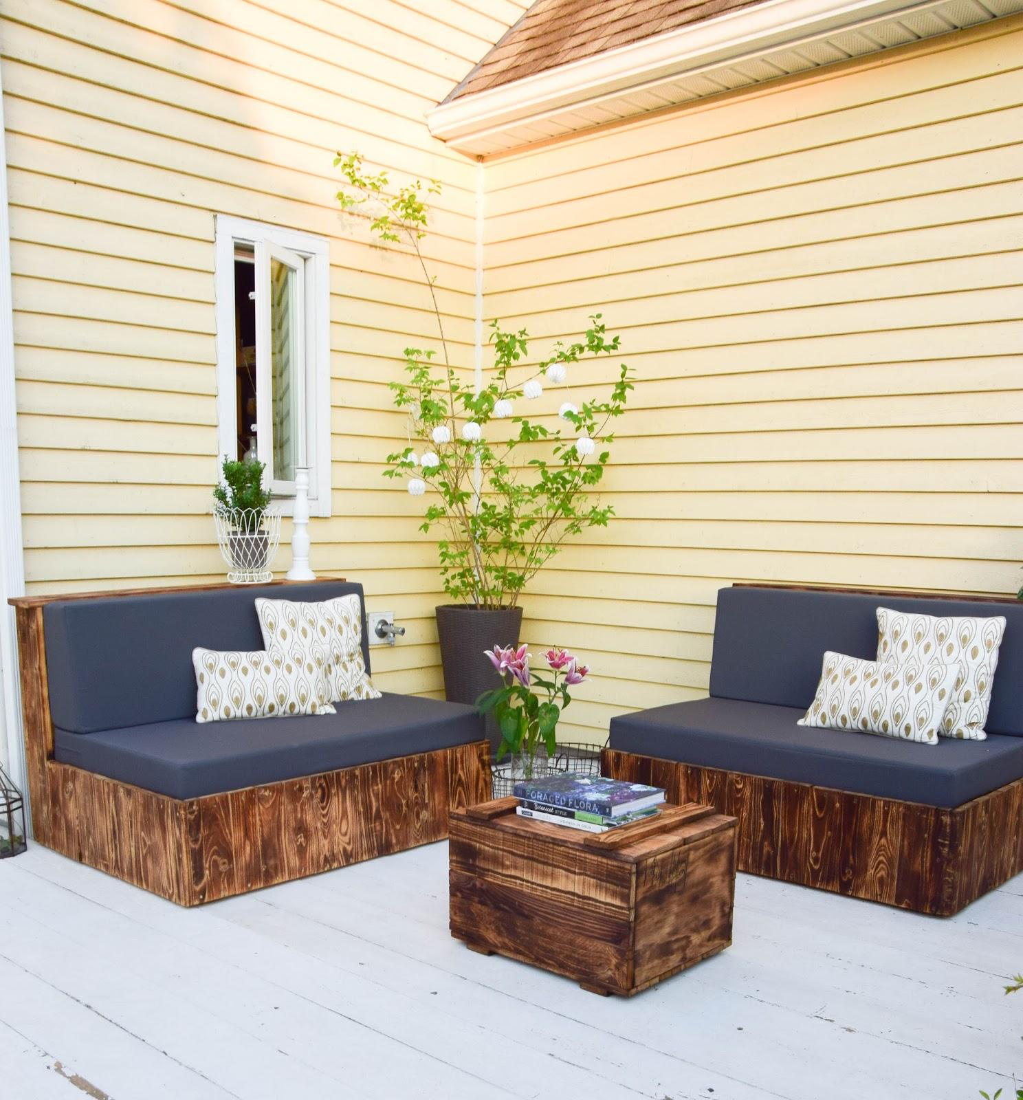 diy sitzm bel aus paletten f r die terrasse und das wohnzimmer eclectic hamilton. Black Bedroom Furniture Sets. Home Design Ideas