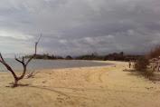 Melihat Indahnya Pantai Lhok Tapang-Lamno