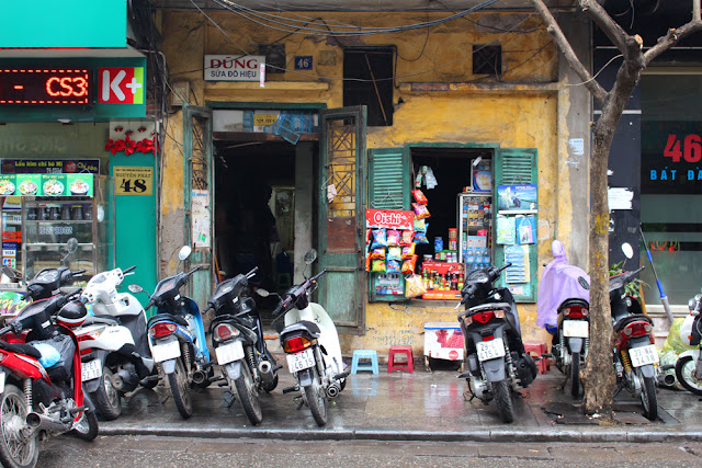 Hanoi motorbikes, Vietnam - lifestyle & travel blog