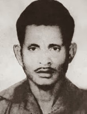 Biografi Satsuit Tubun   Karel Satsuit Tubun lahir di Tual, Maluku Tenggara. Sampai saat ini belum diketahui tanggal, bulan, dan tahun kelahirannnya yang pasti. Pendidikan umum diperoleh hanya sampai Sekolah Dasar dan tamat dalam tahun 1941. Ajun Inspektur Polisi Dua Anumerta Karel Satsuitubun adalah salah seorang Pahlawan Revolusi yang menjadi korban dari peristiwa Gerakan 30 september pada tahun 1965. Ia adalah pengawal dari J. Leimena. Ketika Karel Satsuitubun telah dewasa, ia memutuskan untuk masuk menjadi anggota POLRI. Ia pun diterima, lalu mengikuti Pendidikn Polisi. Setelah lulus, ia ditempatkan di Kesatuan Brimob Ambon dengan pangkat Agen Polisi Kelas Dua (sekarang Bhayangkara Dua Polisi). Kemudian ia ditarik ke Jakarta dan memiliki pangkat Agen Polisi Kelas Satu (sekarang Bhayangkara Satu Polisi).   Ketika Bung Karno mengumandangkan TRIKORA yang isinya menuntut pengembalian Irian Barat kepada Indonesia dari tangan Belanda, seketika itu pula dilakukan Operasi Militer, ia pun ikut serta dalam perjuangan itu. Setelah Irian Barat berhasil dikembalikan, ia diberi tugas untuk mengawal kediaman Wakil Perdana Menteri Dr. J. Leimena di Jakarta. Berangsur-angsur pangkatnya naik menjadi Brigadir Polisi.   Karena menganggap para pimpinan Angkatan Darat sebagai penghalang utama cita-citanya, maka PKI merencanakan untuk melakukan penculikan dan pembunuhan terhadap