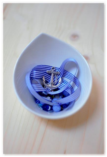ruban perles et breloque encre pour sautoir marin