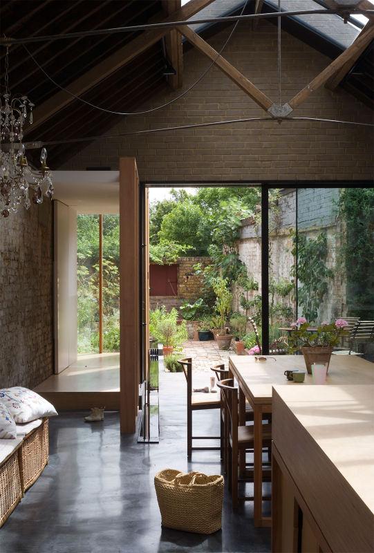 Angleterre une usine d 39 acier transform e en maison de for Atelier maison verte