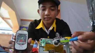 Panji Akbar.., Pencipta Charger tanpa listrik dari Indonesia....!!!