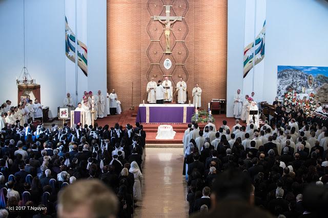 Hình ảnh thánh lễ an táng Đức Cha Dominicô Mai Thanh Lương - Ảnh minh hoạ 11