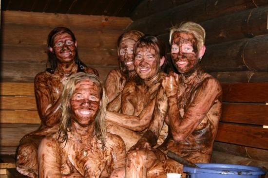 Женщины в бане онлайн упругую попку фото