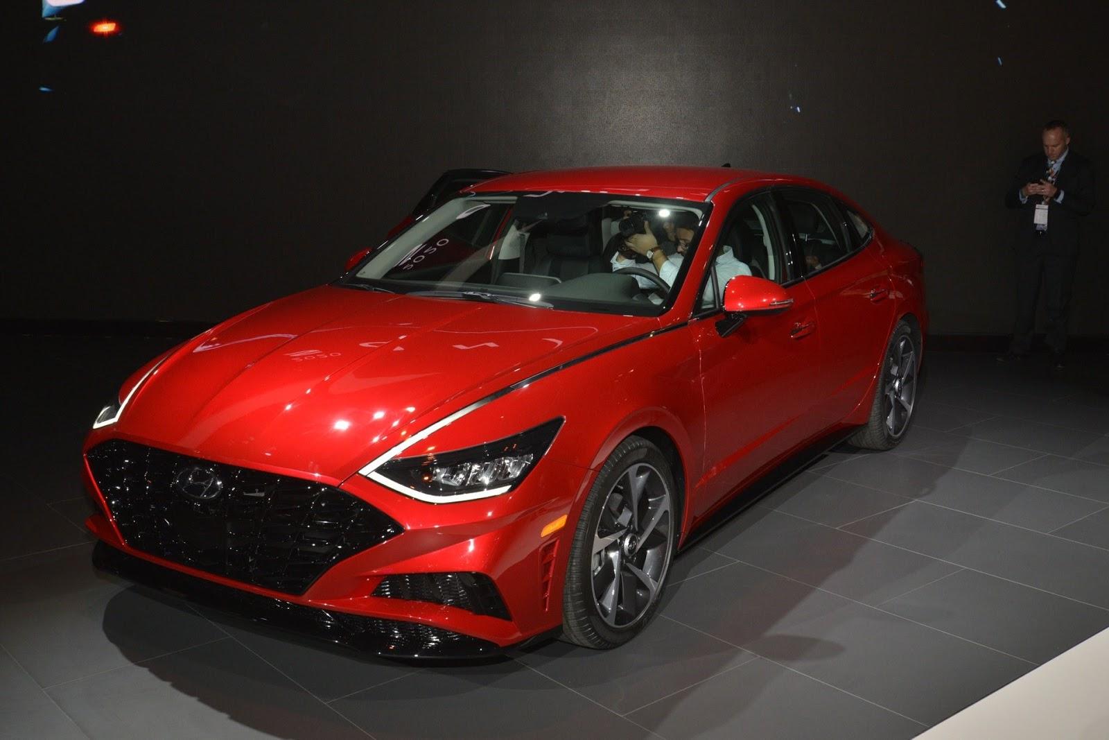 Hyundai Uses Tech To Bust The Sonata S Boring Reputation
