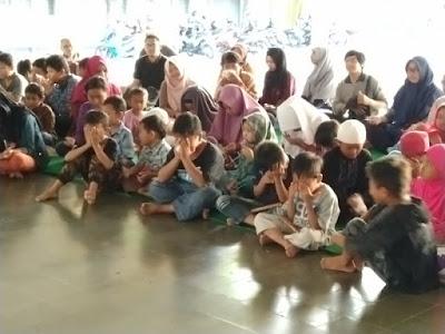banyak peserta yang terharu dan menangis saat mengikuti sesi bersama bunda Arsaningsih
