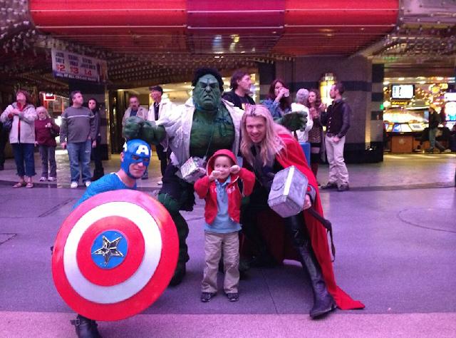 Os Vingadores na Fremont Street em Las Vegas