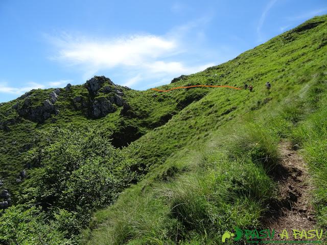 Pasada del Picayo: Ladera herbosa