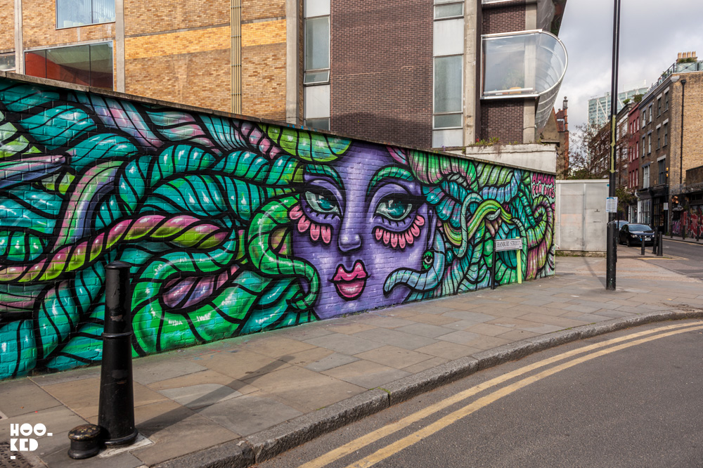 Amara Por Dios Star Yard Mural in London,UK. Photo ©Hookedblog / Mark Rigney