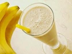 Pieno kokteilis su bananais