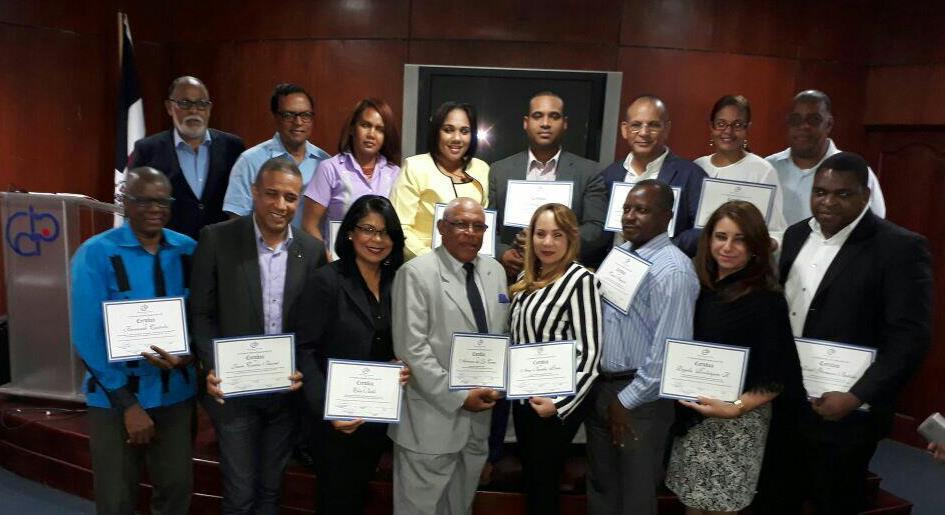 Comisión Electoral del CDP entrega certificados a nuevos directivos