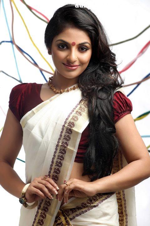 Girls And Aunty Actress Rare Gallery Mythili Kerala Hot -4514