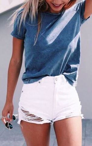 easy outfit: t-shirt + shorts