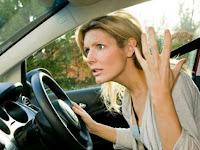 Hal-hal yang tidak boleh dilakukan saat berkendara