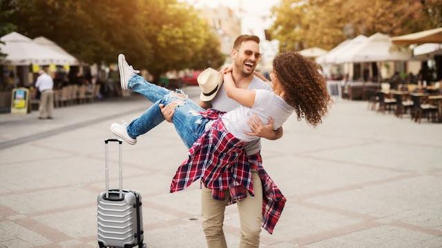 ¿Qué tipo de pareja eres? Te decimos a dónde viajar